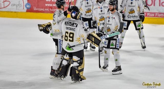 Hockey Rouen Calendrier.Slm J4 Victoire A Chamonix Avant De Recevoir Les Boxers